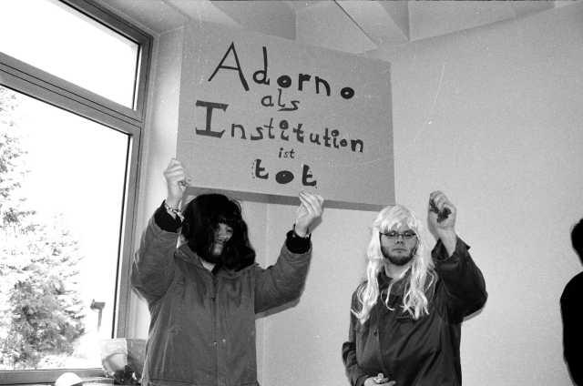 Theodor W. Adorno Studentenbewegung Besetzung