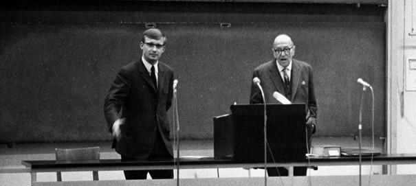 Hans-Jürgen Birkholz mit Horkheimer im Hörsaal